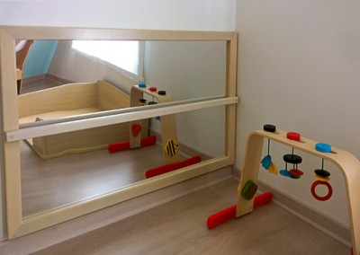 nursery-furniture-mirror-activity