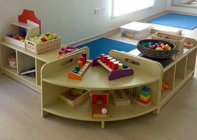 nursery-furniture-shelves-toys